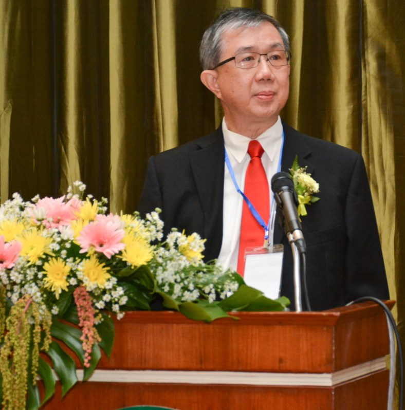 Prof. K.Y. Yong 50 Years of Geotechnical Challenges in Singapore Infrastructure Development