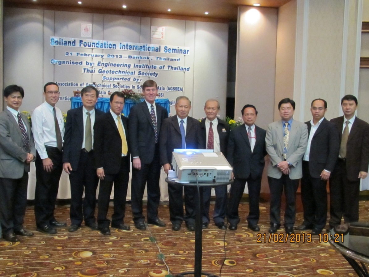 Group photograph of the speakers after the end of the 1-day seminar in Bangkok in 2013 as part of the regional touring lectures by Prof. Jean L Briaud and Prof. Charles Ng.