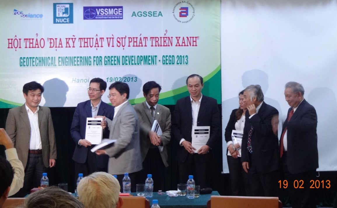 Ir. Kenny Yee presenting the Geotechnical Engineering Journals to the 5 local universities in Hanoi (NUCE, UCT, WRU, Transportation Technology College, and Military Technical Academy) in 2013